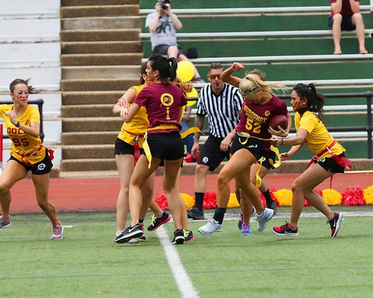 Washington-Redskins-cheerleaders-BEA_4945A.jpg