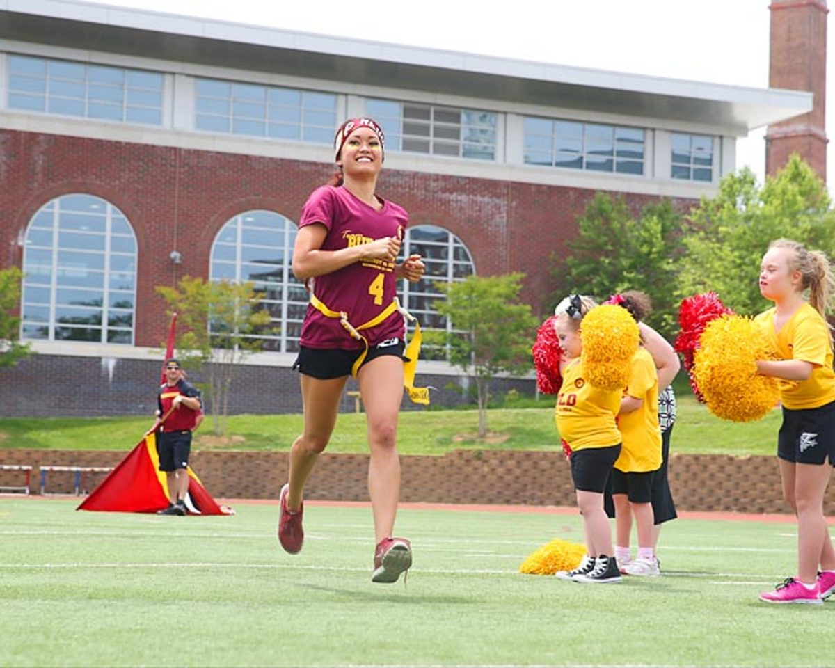 Washington-Redskins-cheerleaders-BEA_3707A.jpg