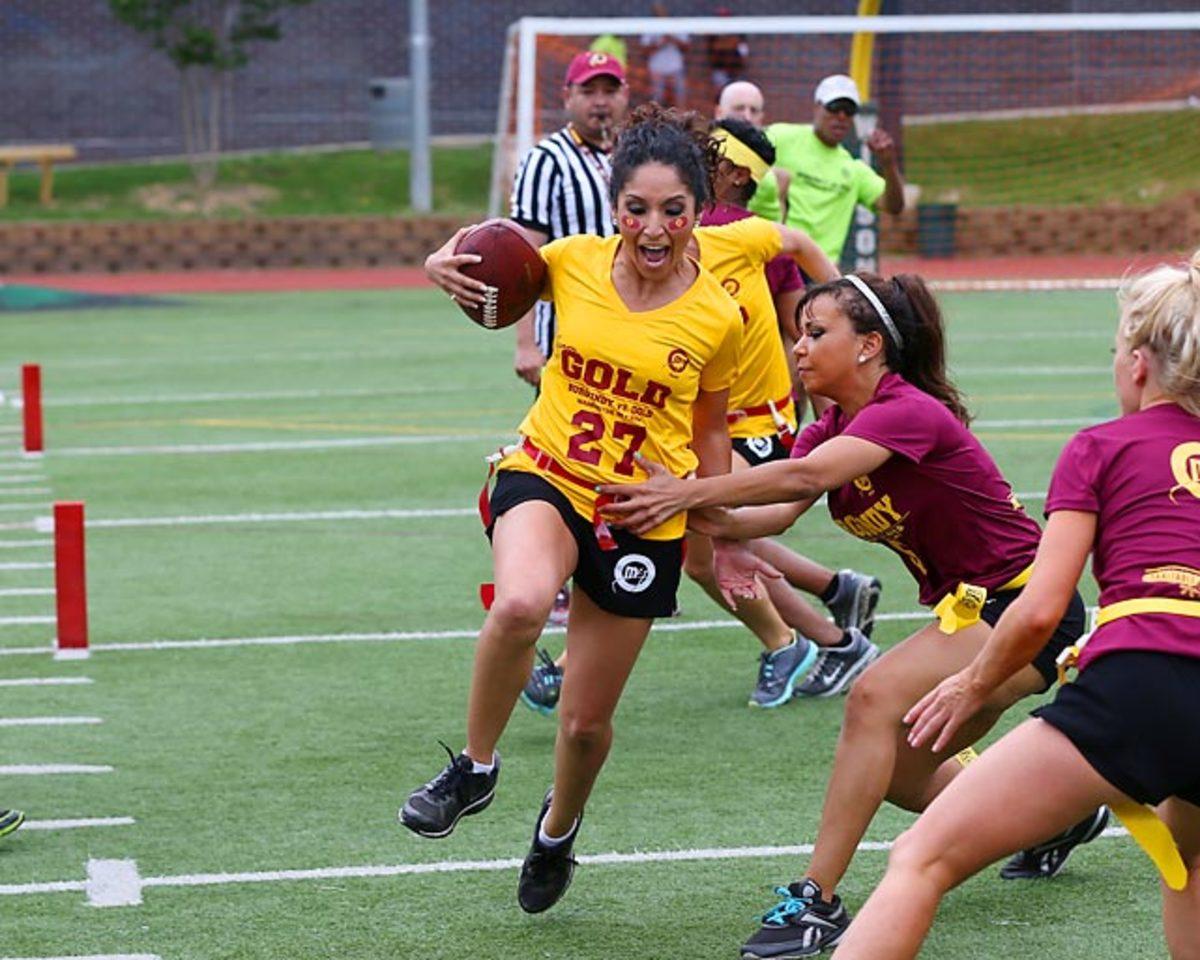 Washington-Redskins-cheerleaders-BEA_5213A.jpg