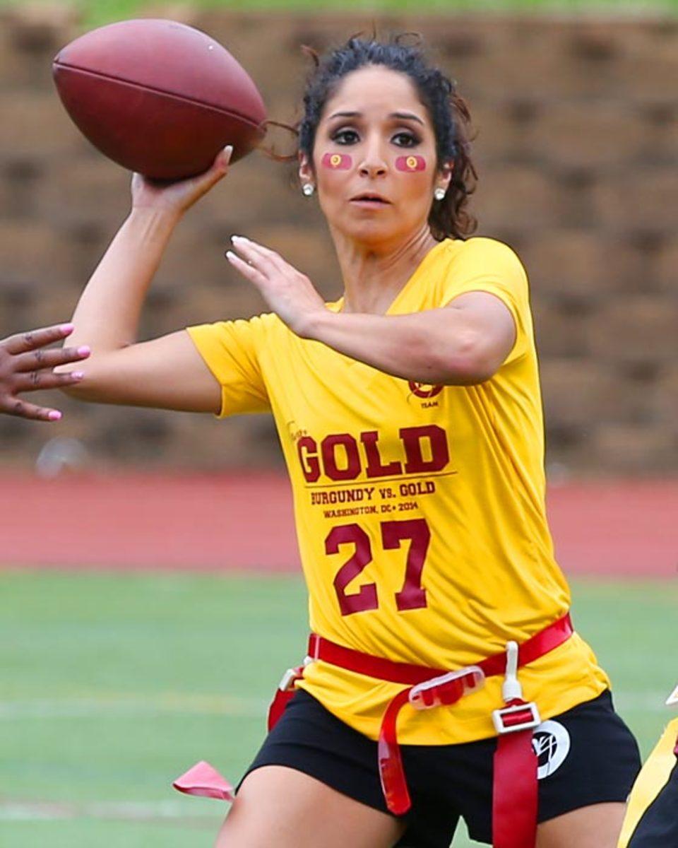 Washington-Redskins-cheerleaders-BEA_5134A.jpg