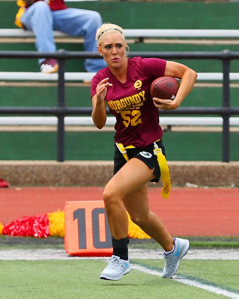 Washington-Redskins-cheerleaders-BEA_4936A.jpg