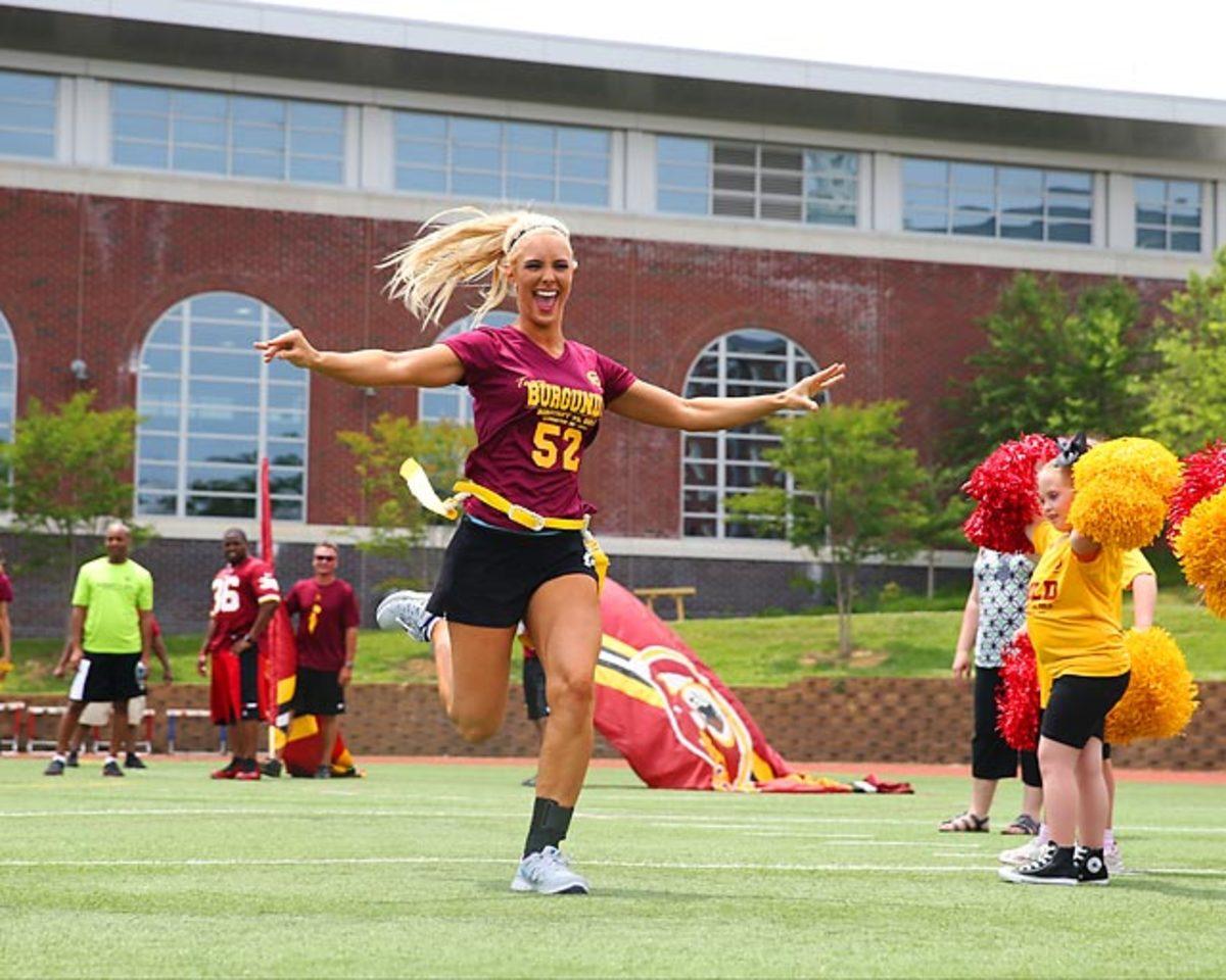Washington-Redskins-cheerleaders-EA_4045A.jpg