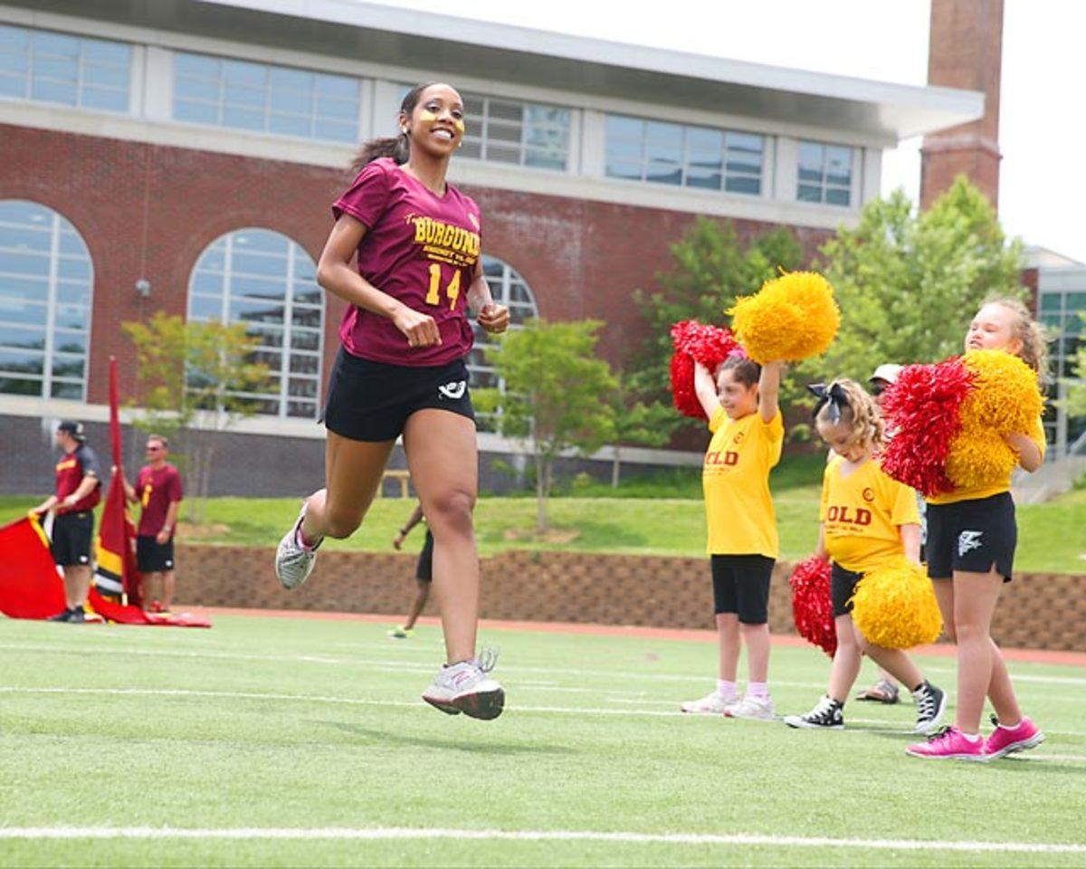 Washington-Redskins-cheerleaders-BEA_3844A.jpg