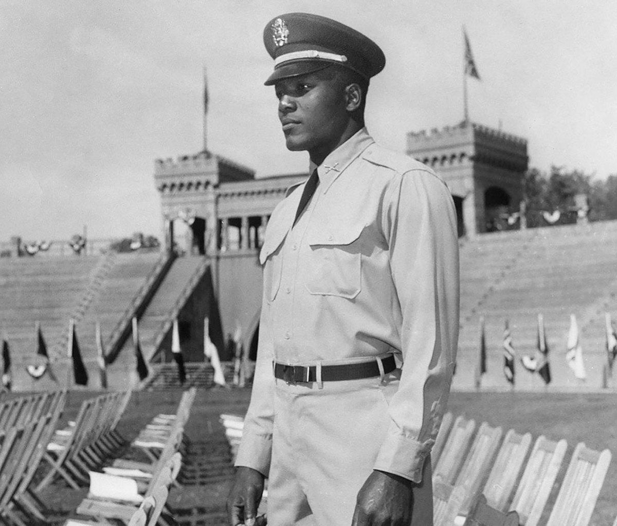 1955-Jim-Brown-ROTC-uniform.jpg
