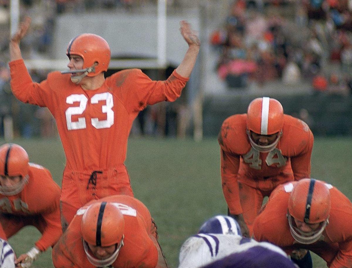 1956-1110-Chuck-Zimmerman-Jim-Brown-001307170.jpg