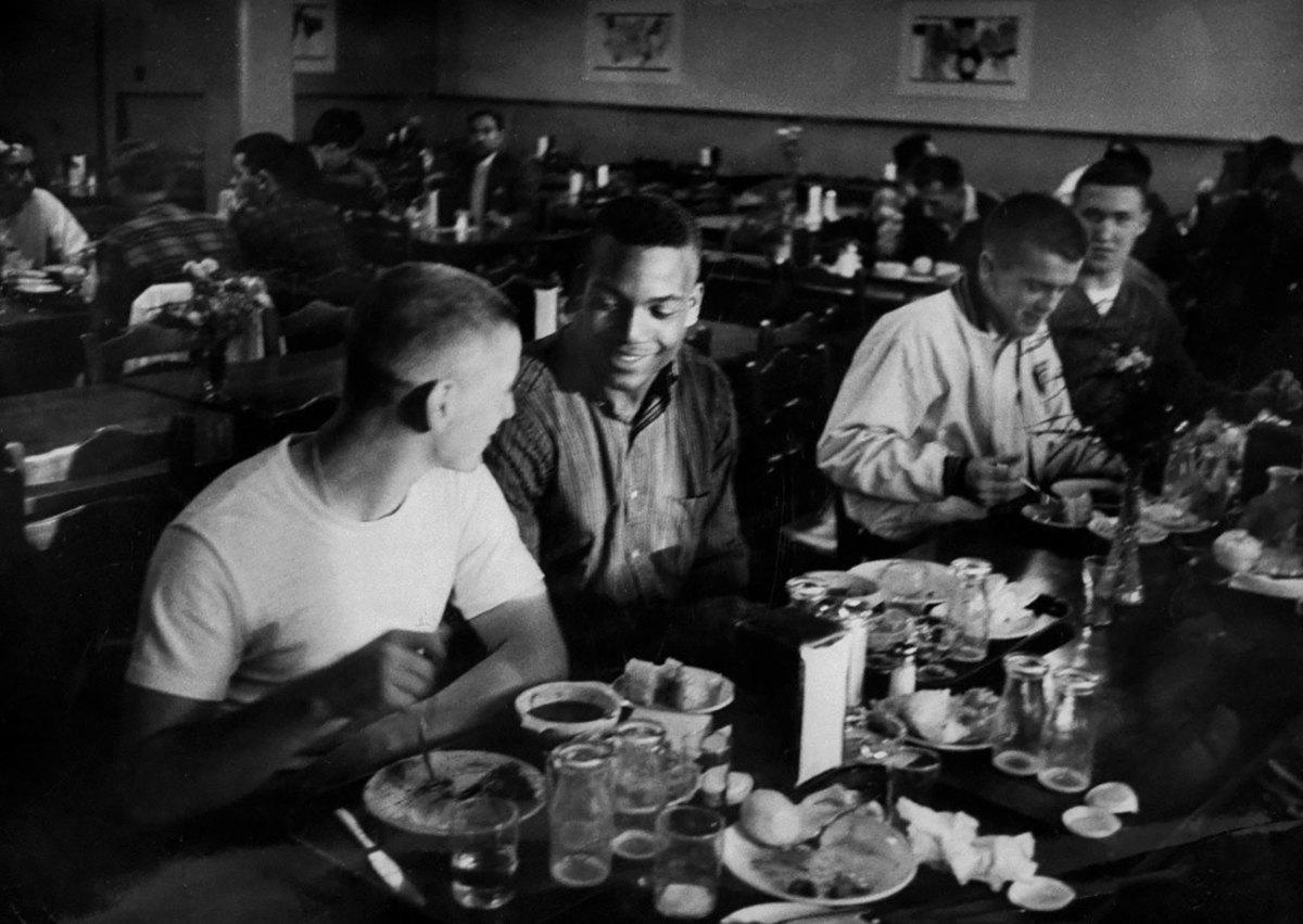 1956-Jim-Brown-Chuck-Zimmerman-eating.jpg