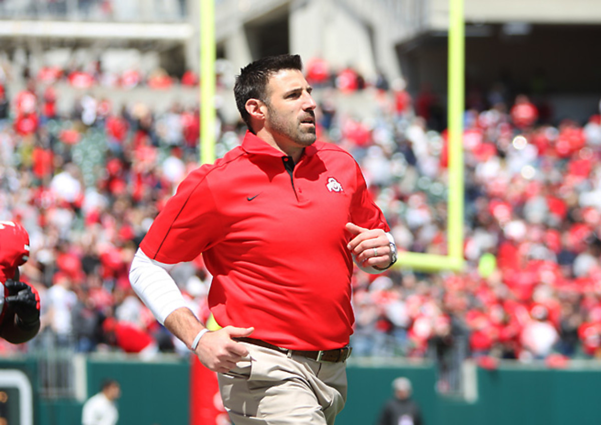 Former Patriots LB Mike Vrabel had been serving at Ohio State under Urban Meyer.