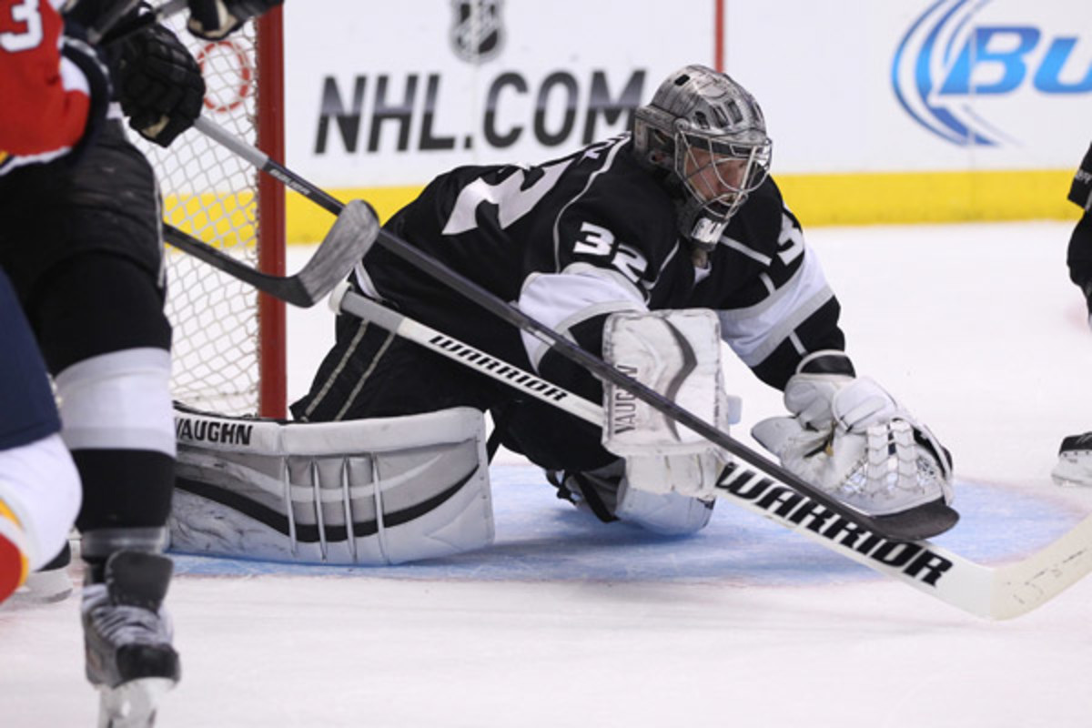 Jonathan Quick stopped 24 shots for his 30th career shutout, just two behind Rogie Vachon for the Kings' all-time mark. (Adam Davis/Icon SMI)