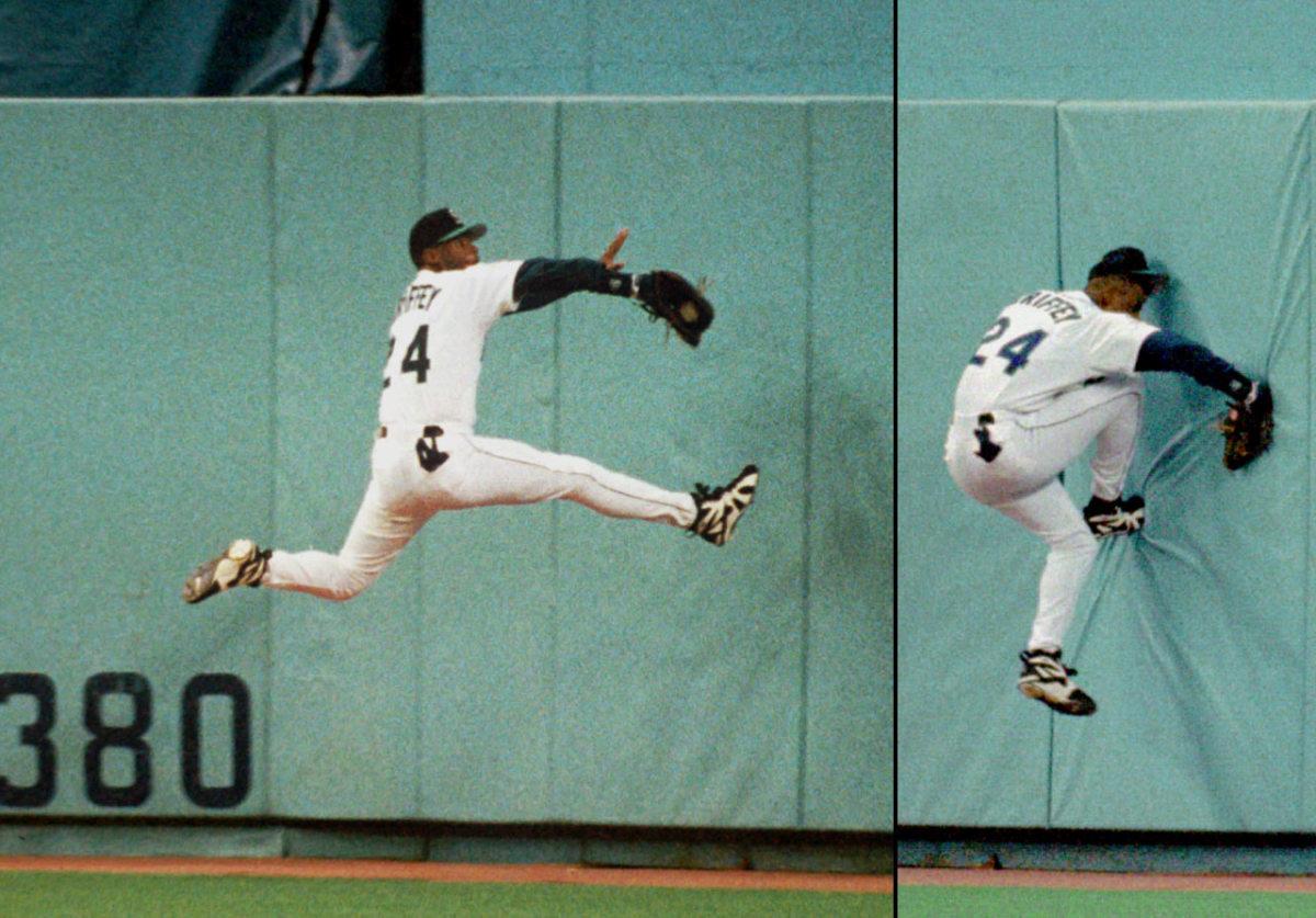 1995-Ken-Griffey-Jr-catch-breaks-wrist.jpg
