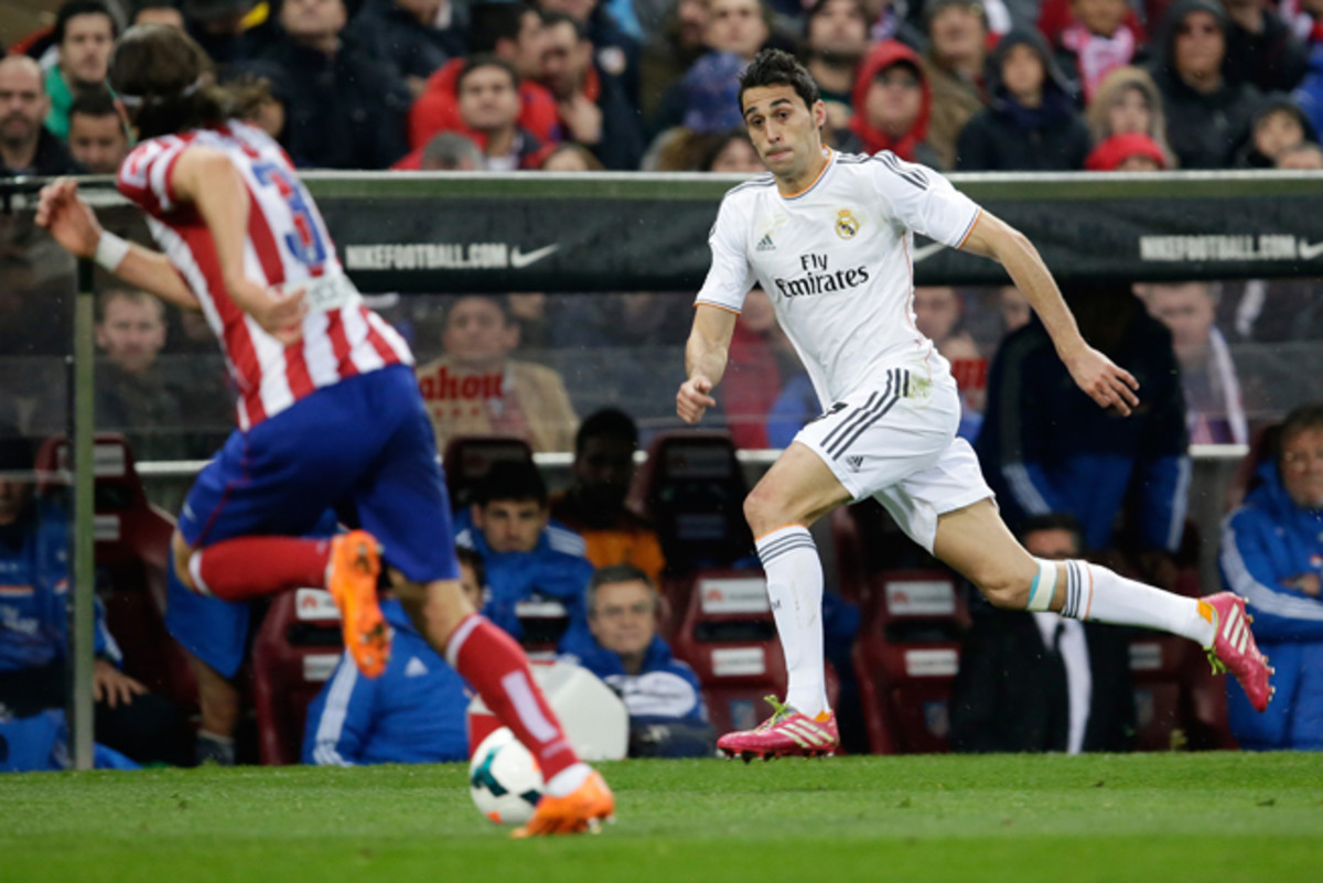 Real Madrid defender Alvaro Arbeloa is likely to miss up to two months with a knee injury that could jeopardize his place on Spain's World Cup roster.
