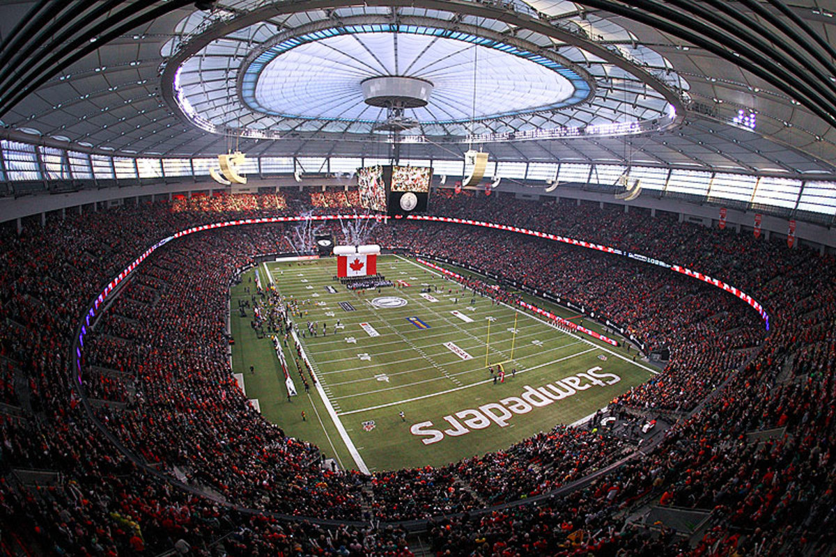 More than 52,000 fans packed BC Place in Vancouver for the CFL's 102nd Grey Cup on Sunday. (Jeff Vinnick/Getty Images)
