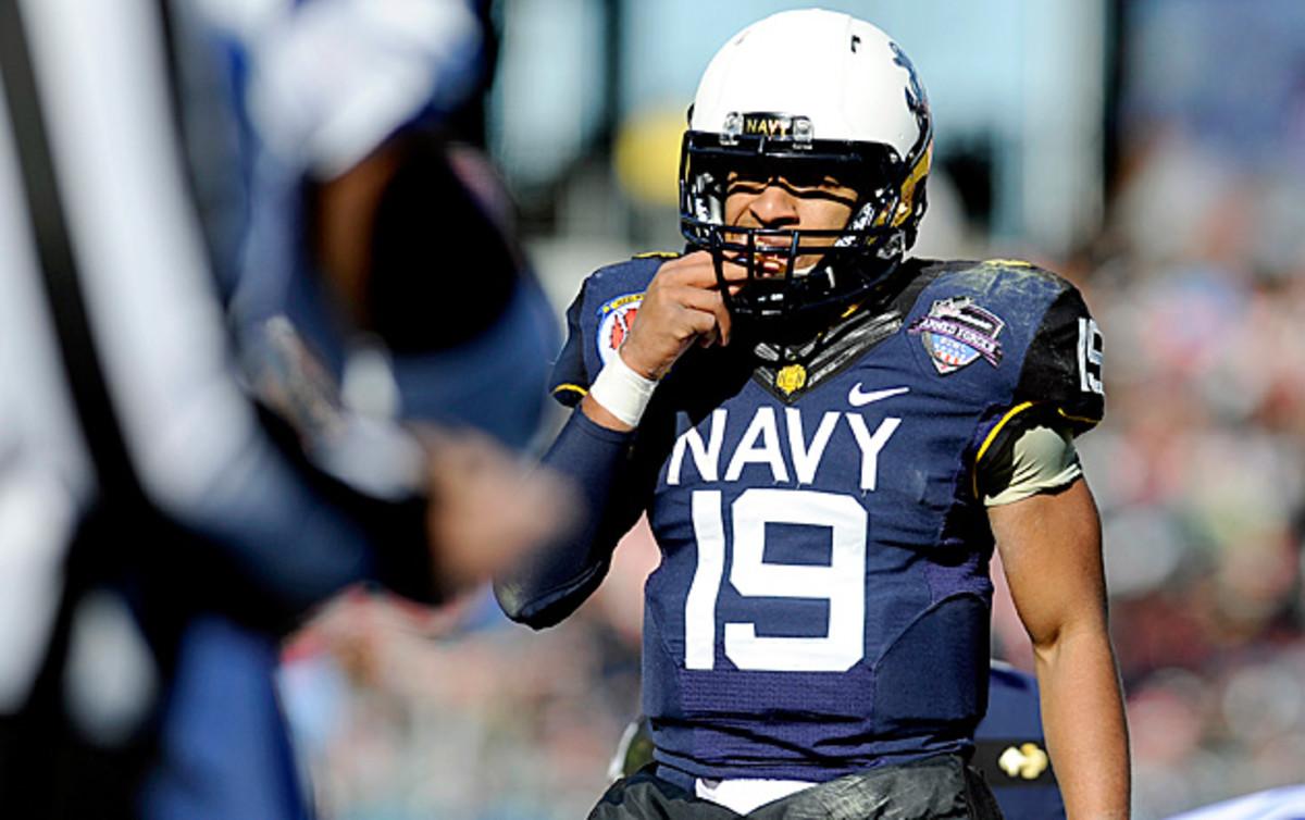 keenan-reynolds-navy-midshipmen-standing.jpg