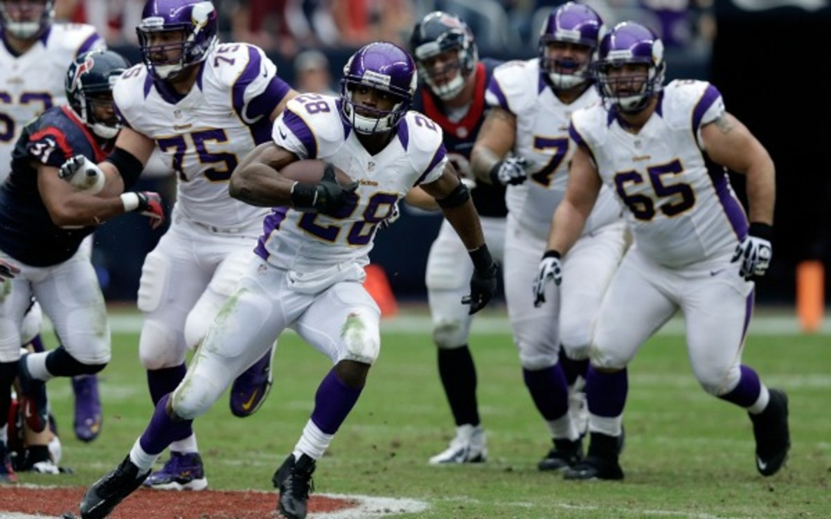 Adrian Peterson says he is certain that NFL players use HGH.  (Scott Halleran/Getty Images)