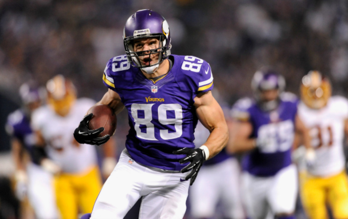 John Carlson caught 32 passes and one touchdown for the Minnesota Vikings in 2013. (Hannah Foslien/Getty Images)