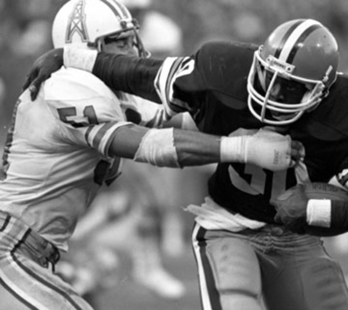 Ted Thompson played 10 seasons in the NFL as a backup linebacker and on special teams. (Diamond Images/Getty Images)