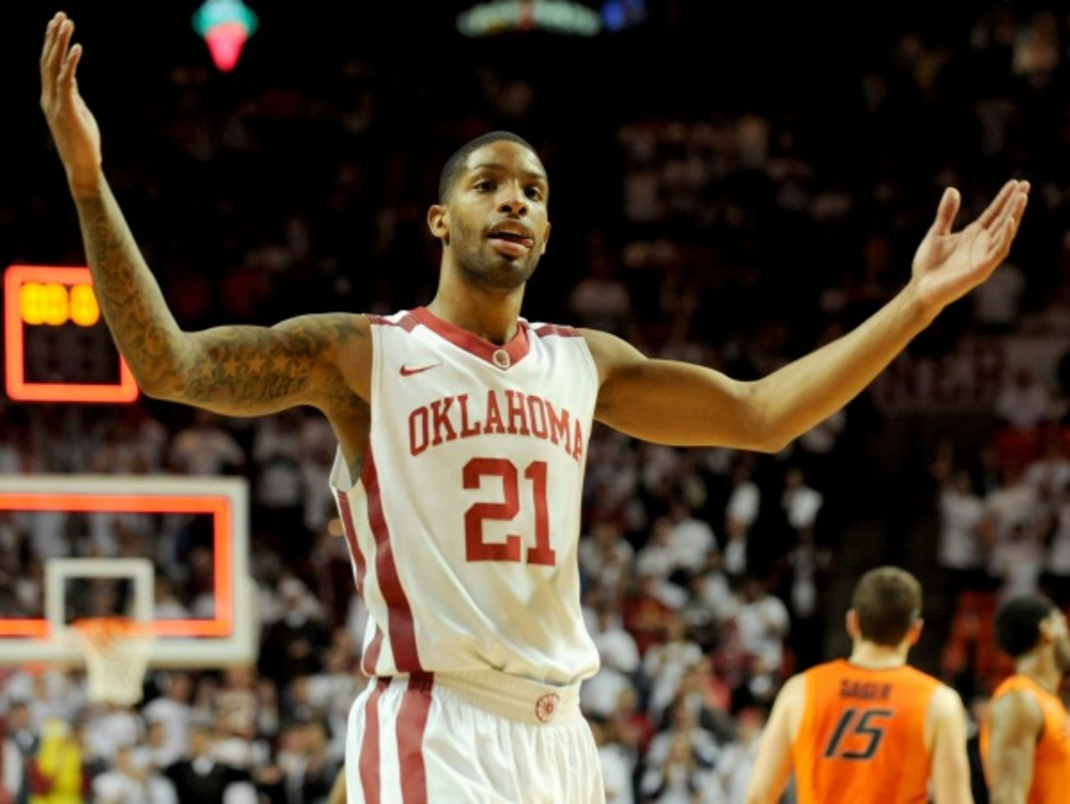 Cameron Clark and the Sooners rolled off a fourth straight win by beating Oklahoma State. (Brody Schmidt/AP)