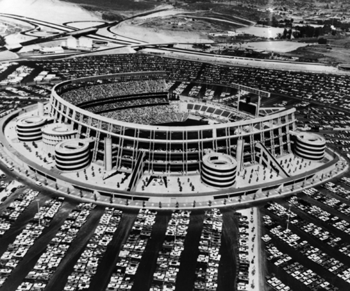 Instead of a floating stadium, San Diego ended up with what is now Qualcomm Stadium in 1967 (Photo by Alan Band/Fox Photos/Getty Images).