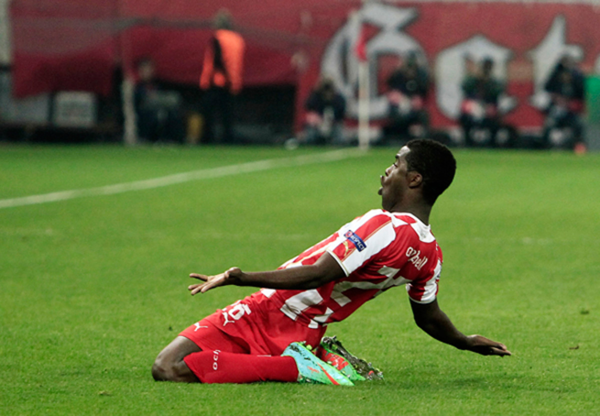 Olympiakos forward Joel Campbell celebrates his goal against Manchester United that gave the Greek side a 2-0 edge heading into the second leg.