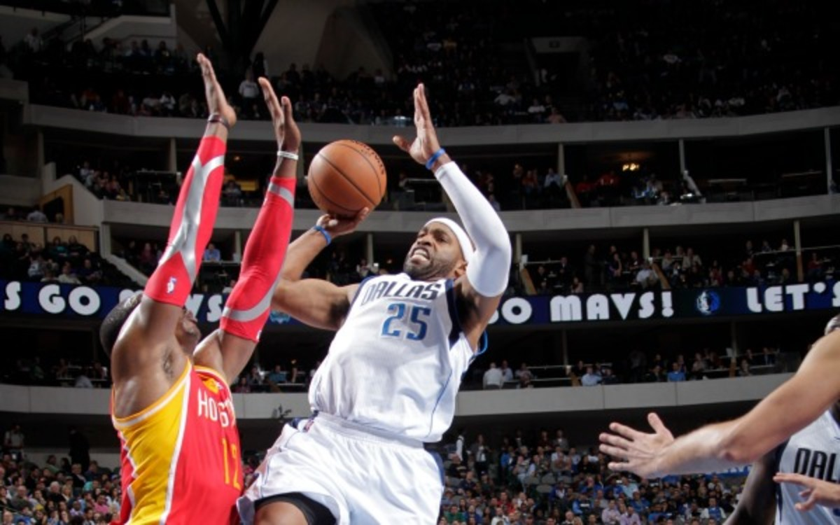 Mavericks forward Vince Carter is averaging 11 points in his 16th season. (Glenn James/NBAE via Getty Images)