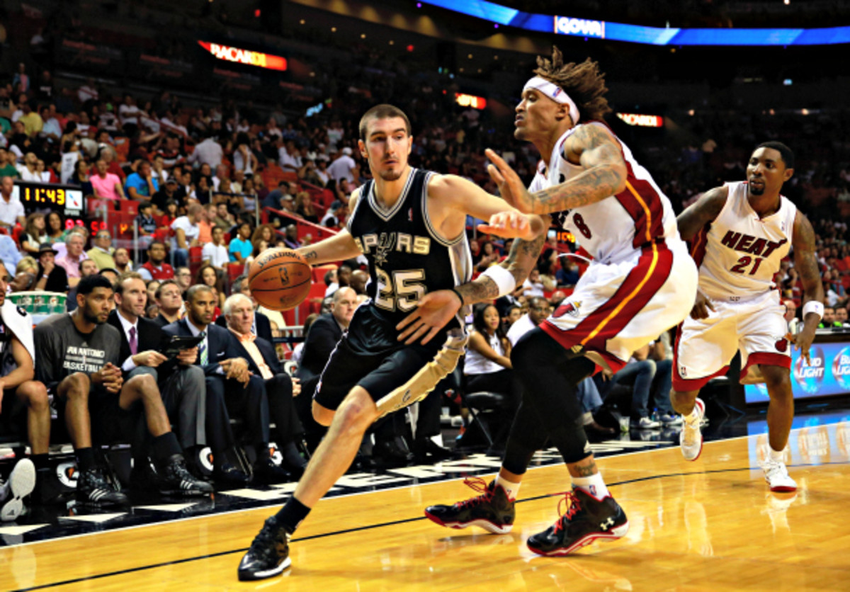 Nando De Colo will round out the point guard rotation for the Raptors. (Christopher Trotman/Getty Images)
