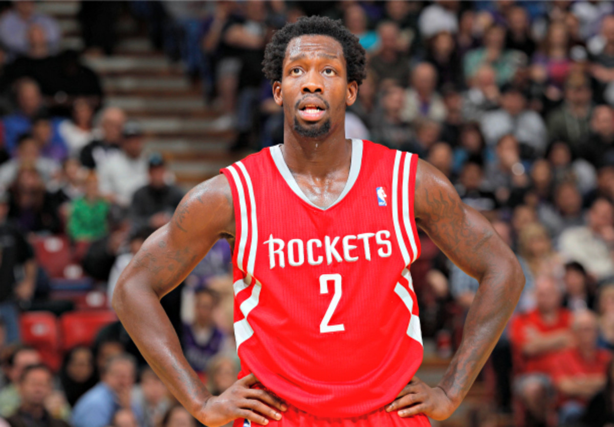 Patrick Beverley could potentially miss the remainder of the regular season and playoffs. (Rocky Widner/NBAE via Getty Images)