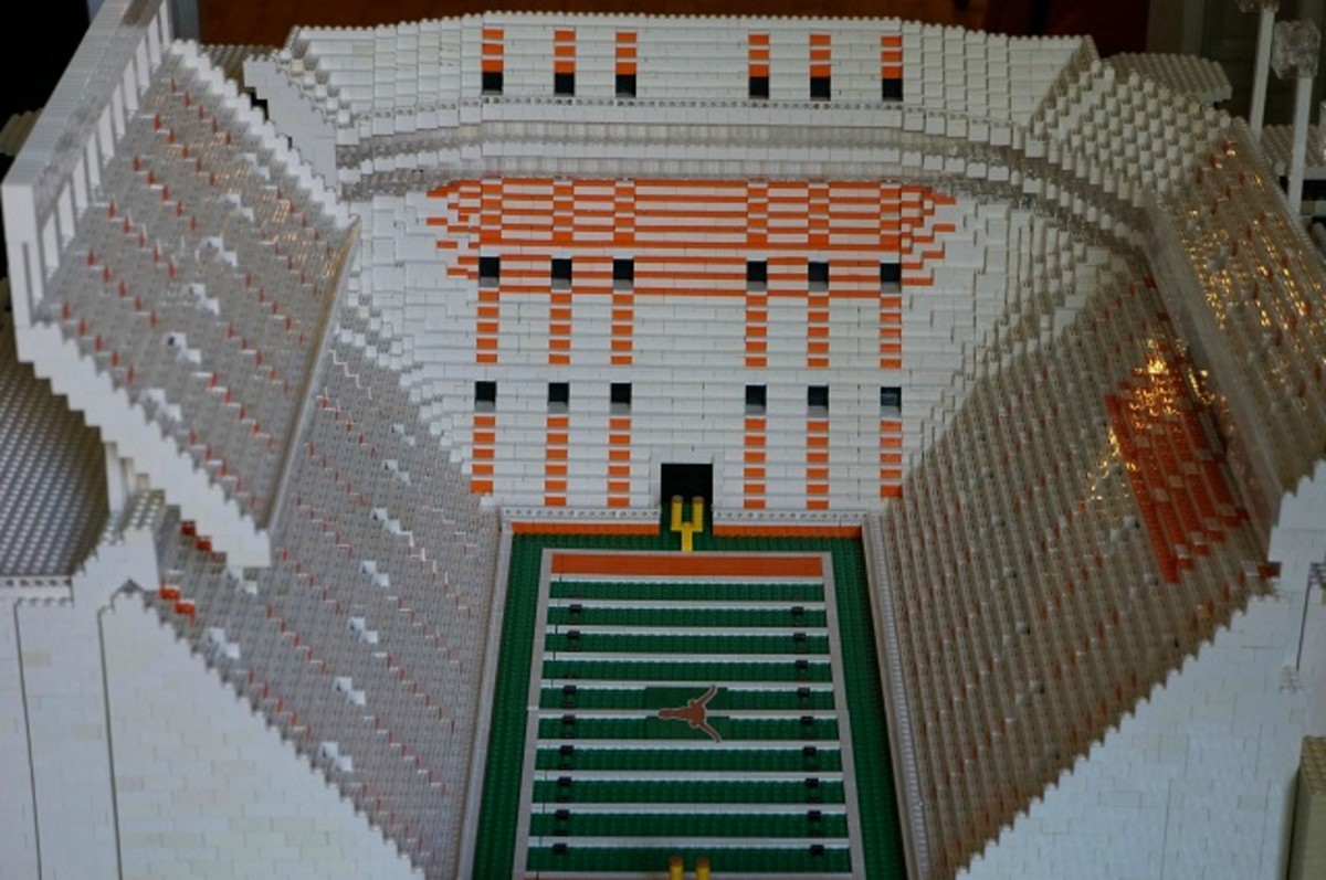 texas longhorns football stadium lego replica 2
