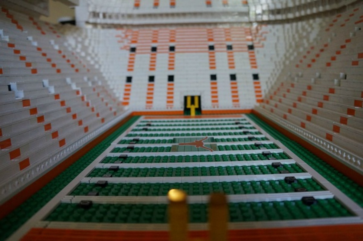 texas longhorns football stadium lego replica 4