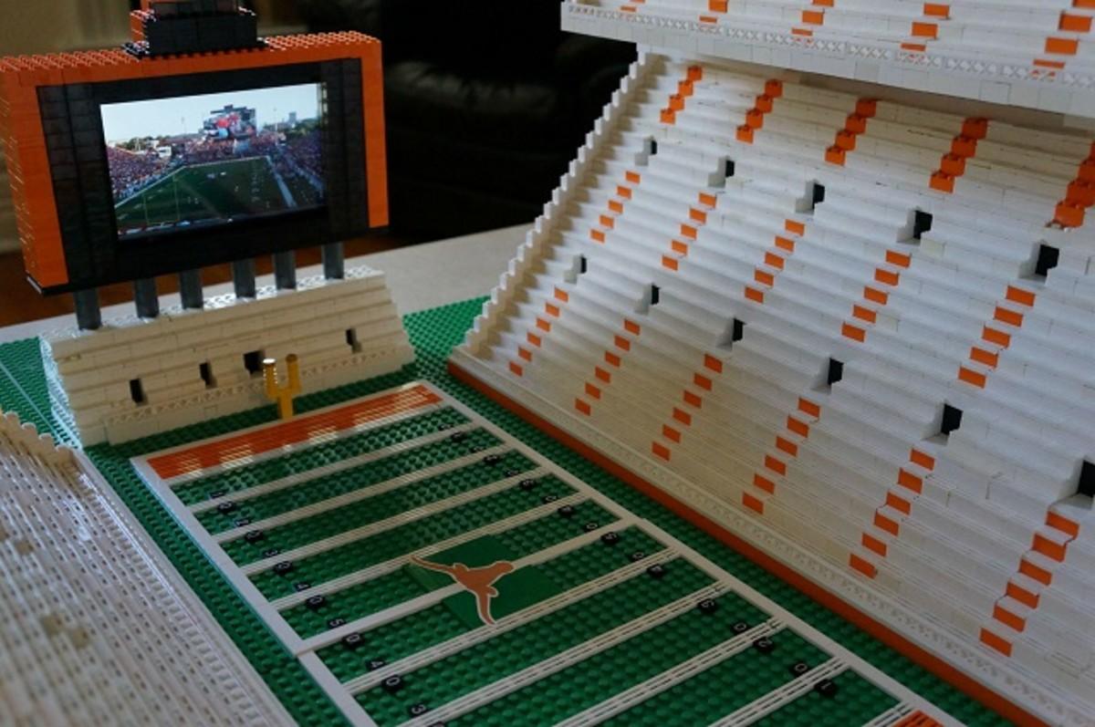 texas longhorns football stadium lego replica 3