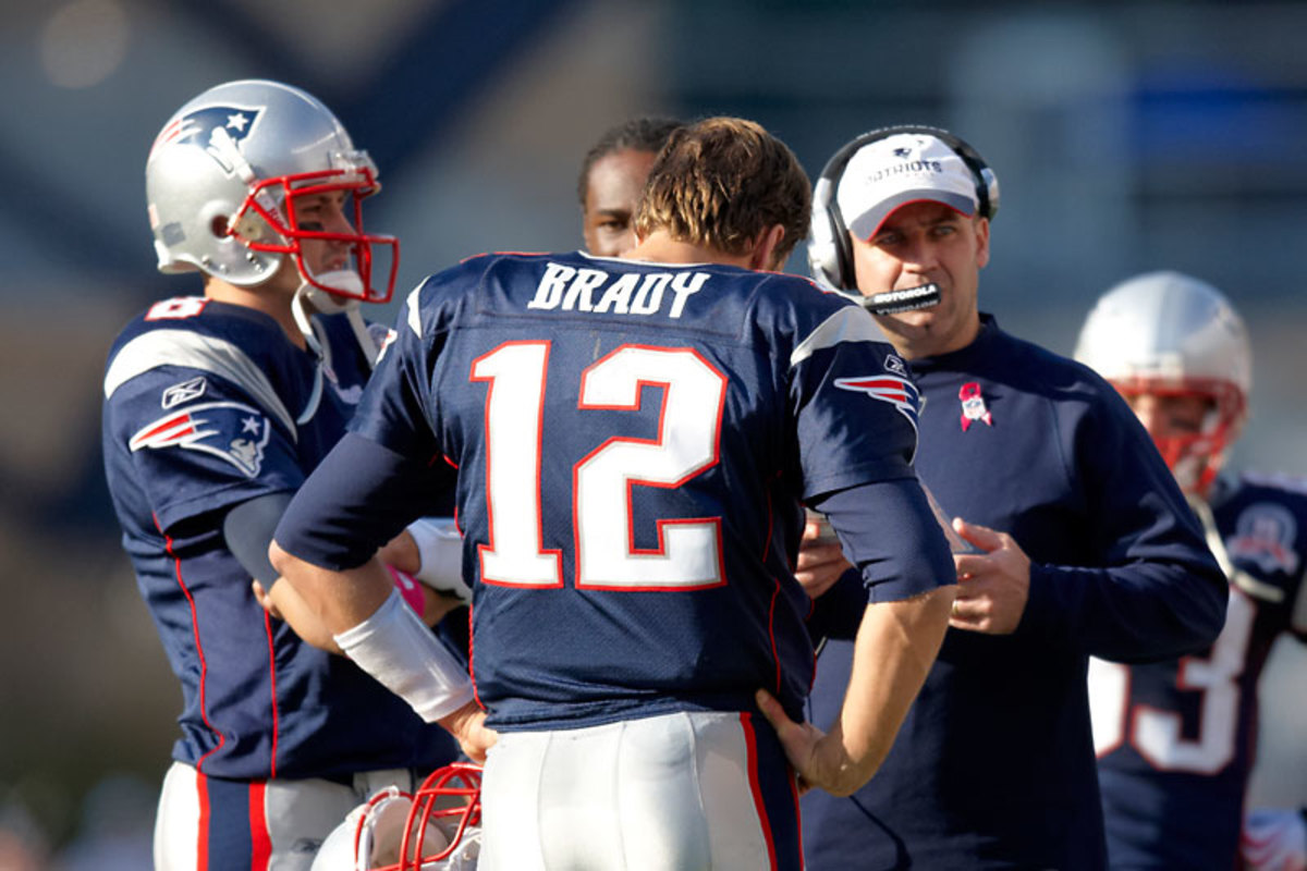 Brady talks with Bill O'Brien, then the Pats' offensive coordinator, in 2009. (Damian Strohmeyer/Sports Illustrated)