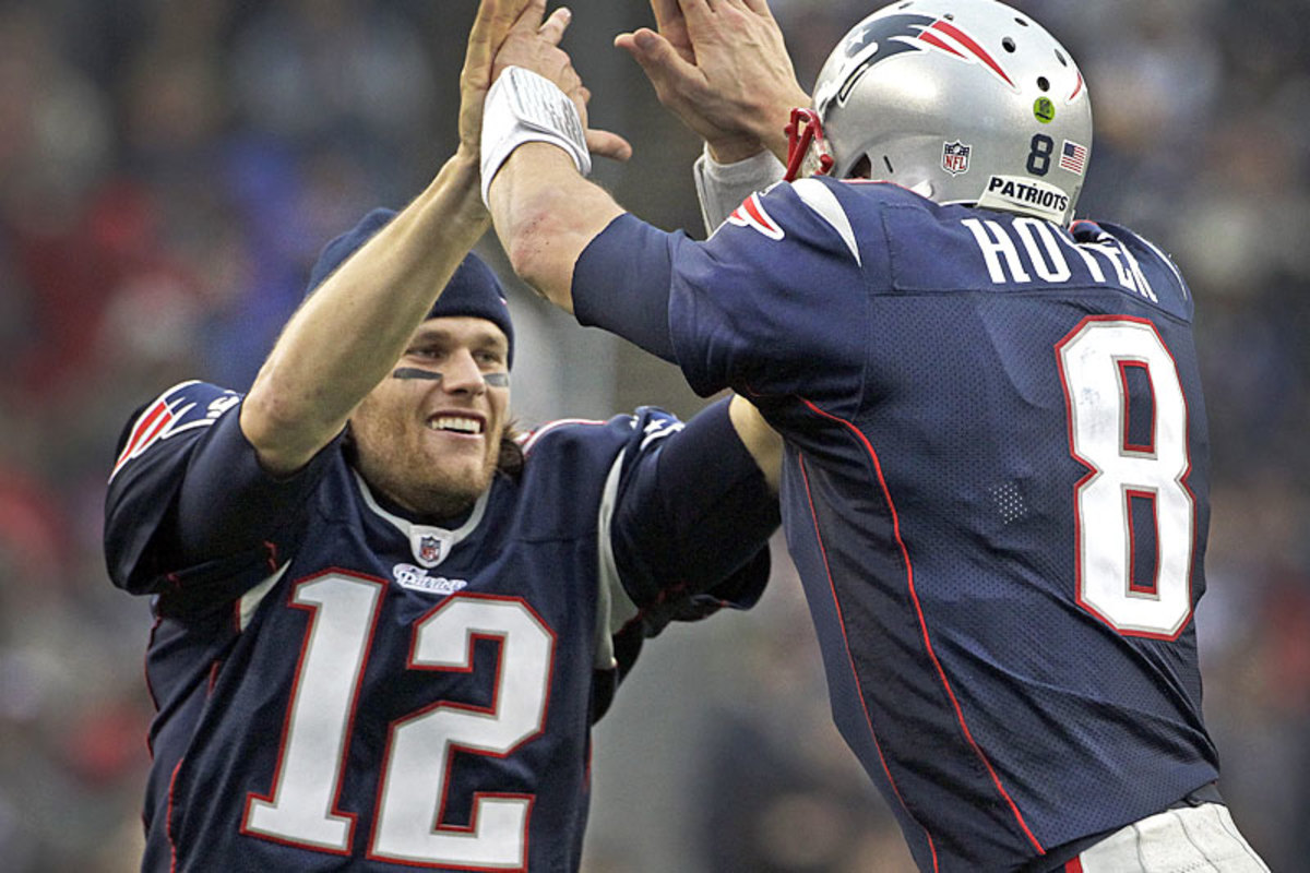 tom-brady-brian-hoyer-2011