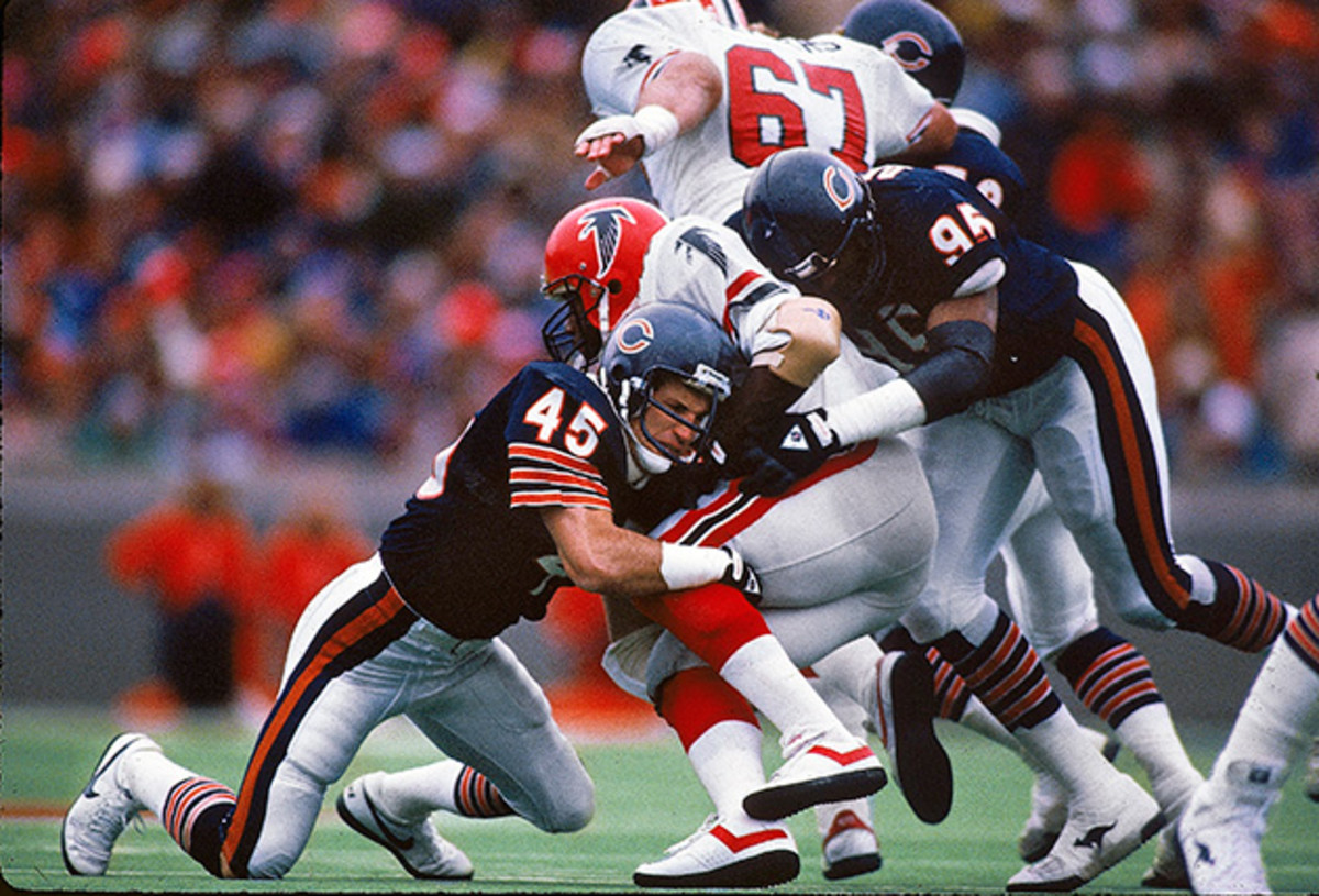 Fencik (45) was a vital part of the dominant defense that led Chicago to the 1985 NFL title.