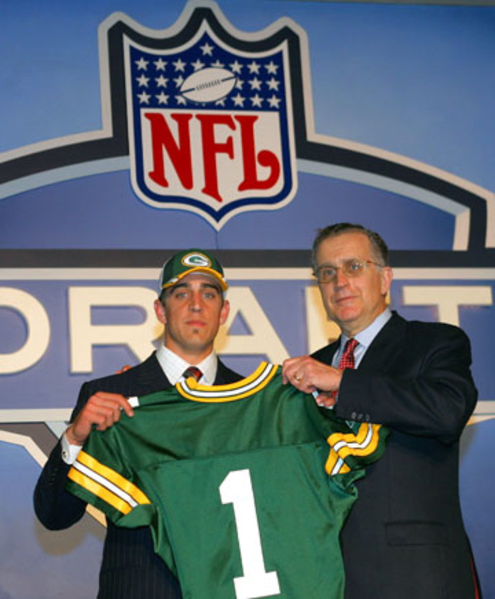 Aaron Rodgers and then NFL commissioner Paul Tagliabue at the 2005 draft. (Chris Trotman/Getty Images)