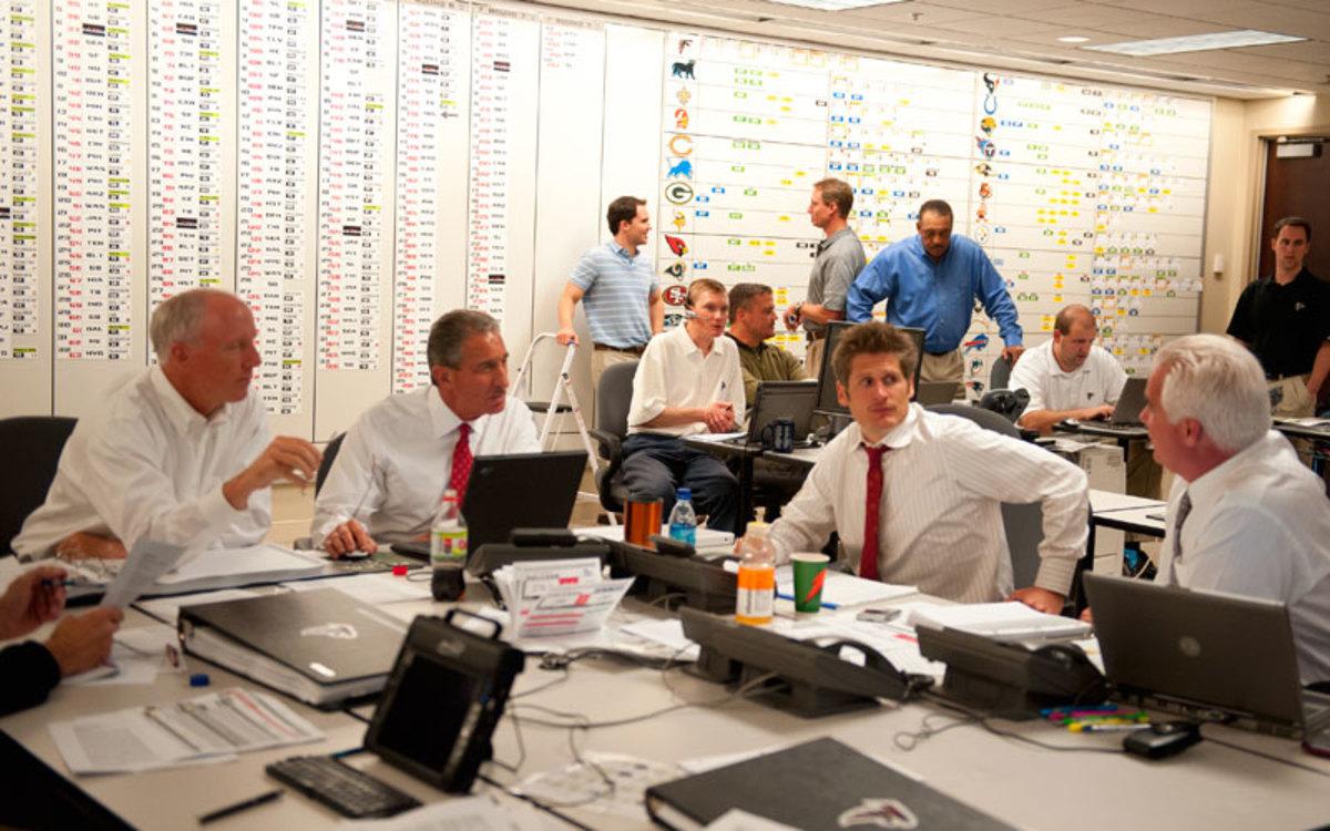 A look inside the Atlanta Falcons war room in 2008. (Bob Rosato/SI/The MMQB)