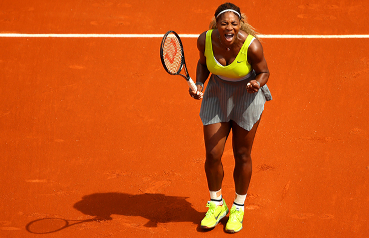 Serena Williams had no trouble advancing past Frenchwoman Alize Lim. (Clive Brunskill/Getty Images)