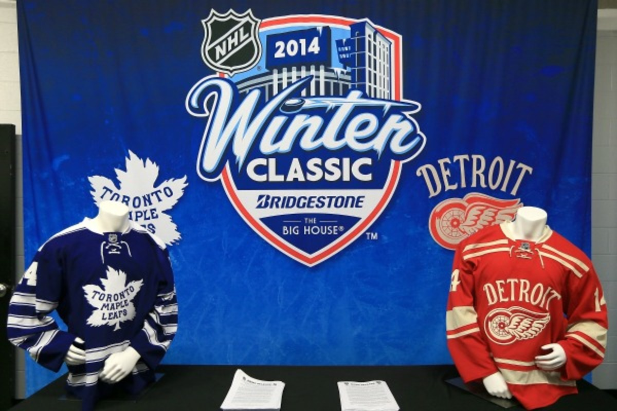 The Maple Leafs and Red Wings will play in the 2014 Winter Classic. (Dave Reginek/Getty Images)