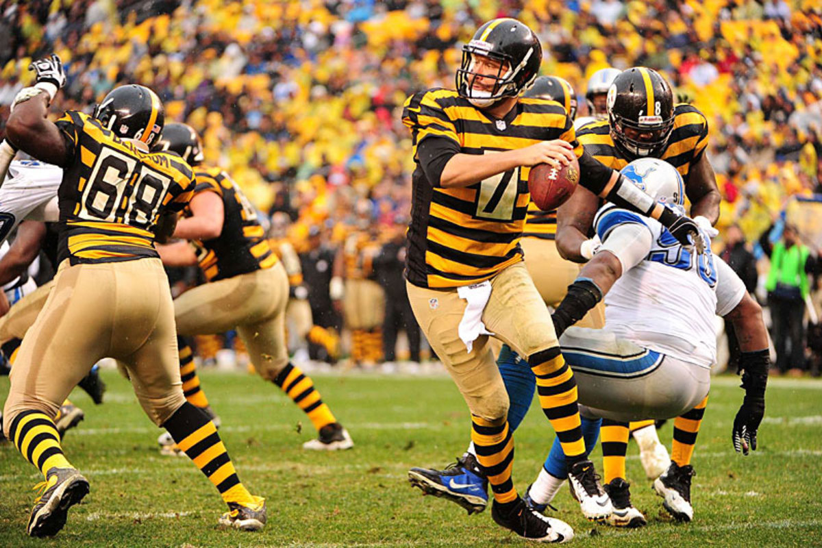 Ben Roethlisberger in throwback mode against the Lions in Week 11. (Fred Vuich)