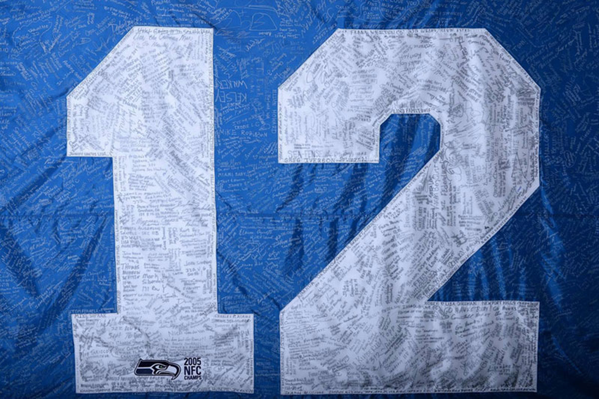 A 12th Man banner at Seattle for the Bucs game. (Robert Beck)