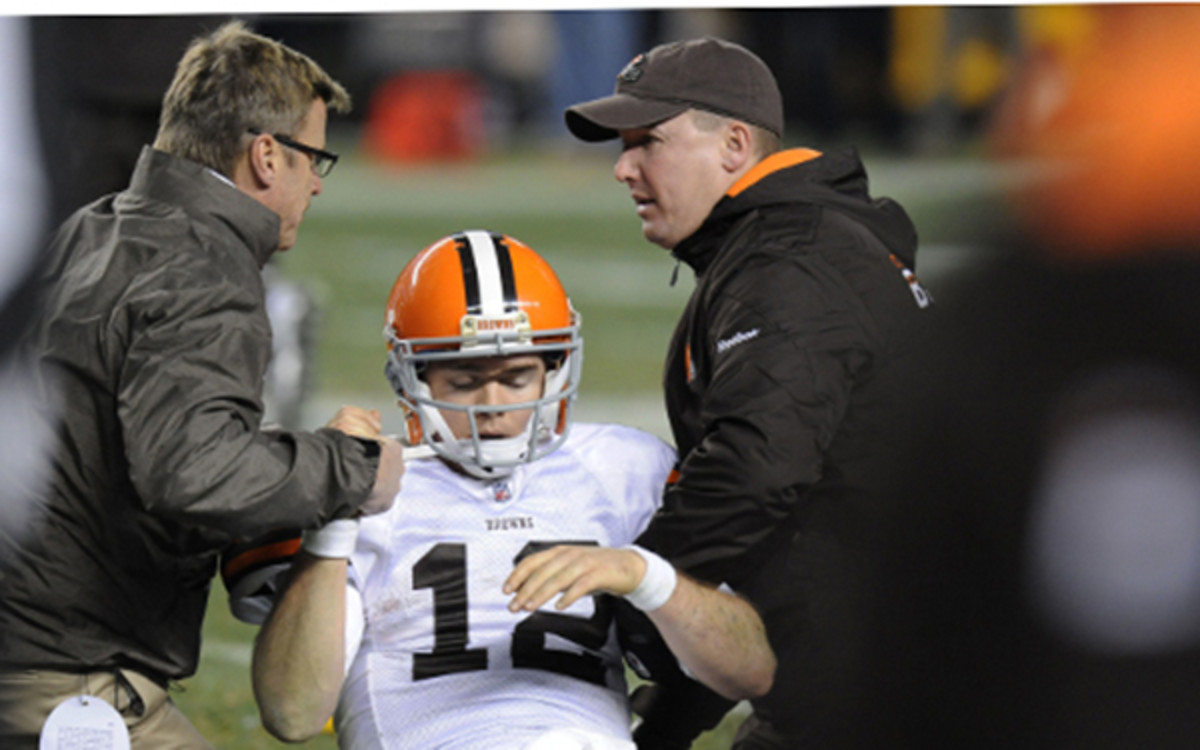 Concussions continue to be an issue in the NFL even though a lawsuit was settled last month. (AP Photo/Don Wright
