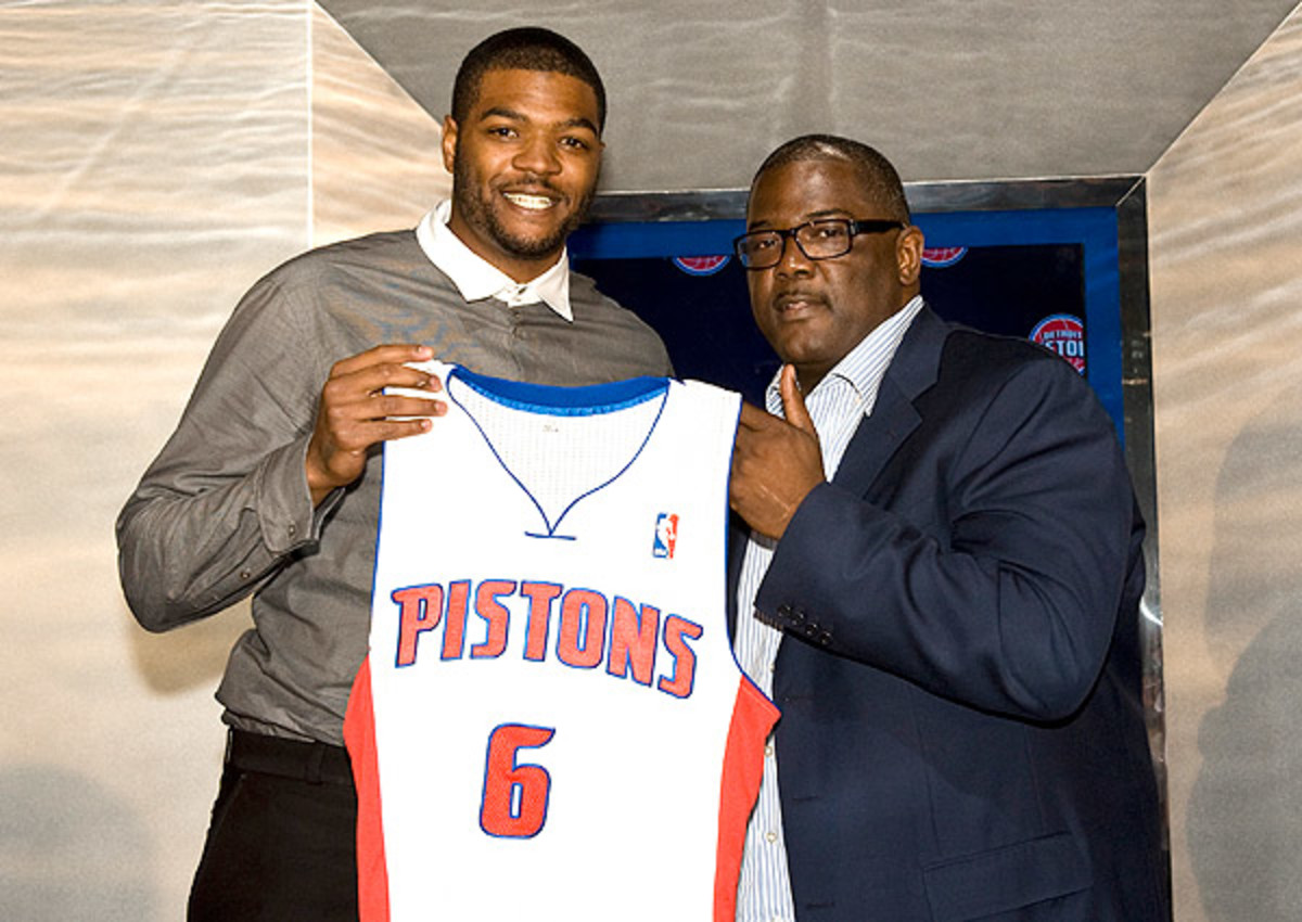 Josh Smith signed a four-year, $54 million deal with the Pistons.