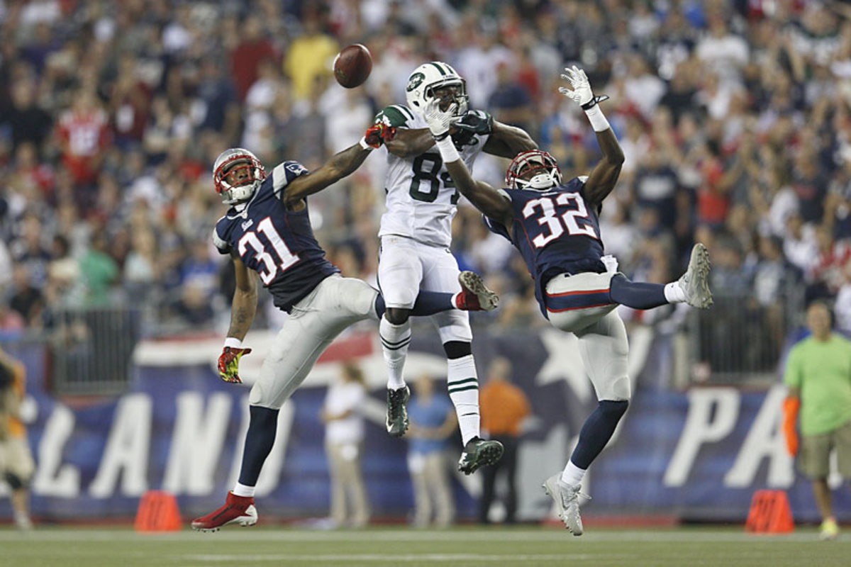 A free-for-all for the ball in the Pats-Jets Thursday nighter in Week 2. (Damian Strohmeyer)