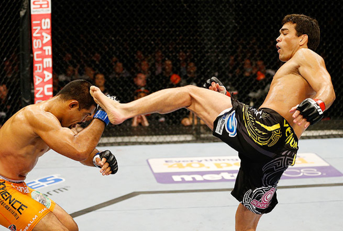 Machida used a brutal kick to the head of Muñoz to put him down early in the main event Saturday.