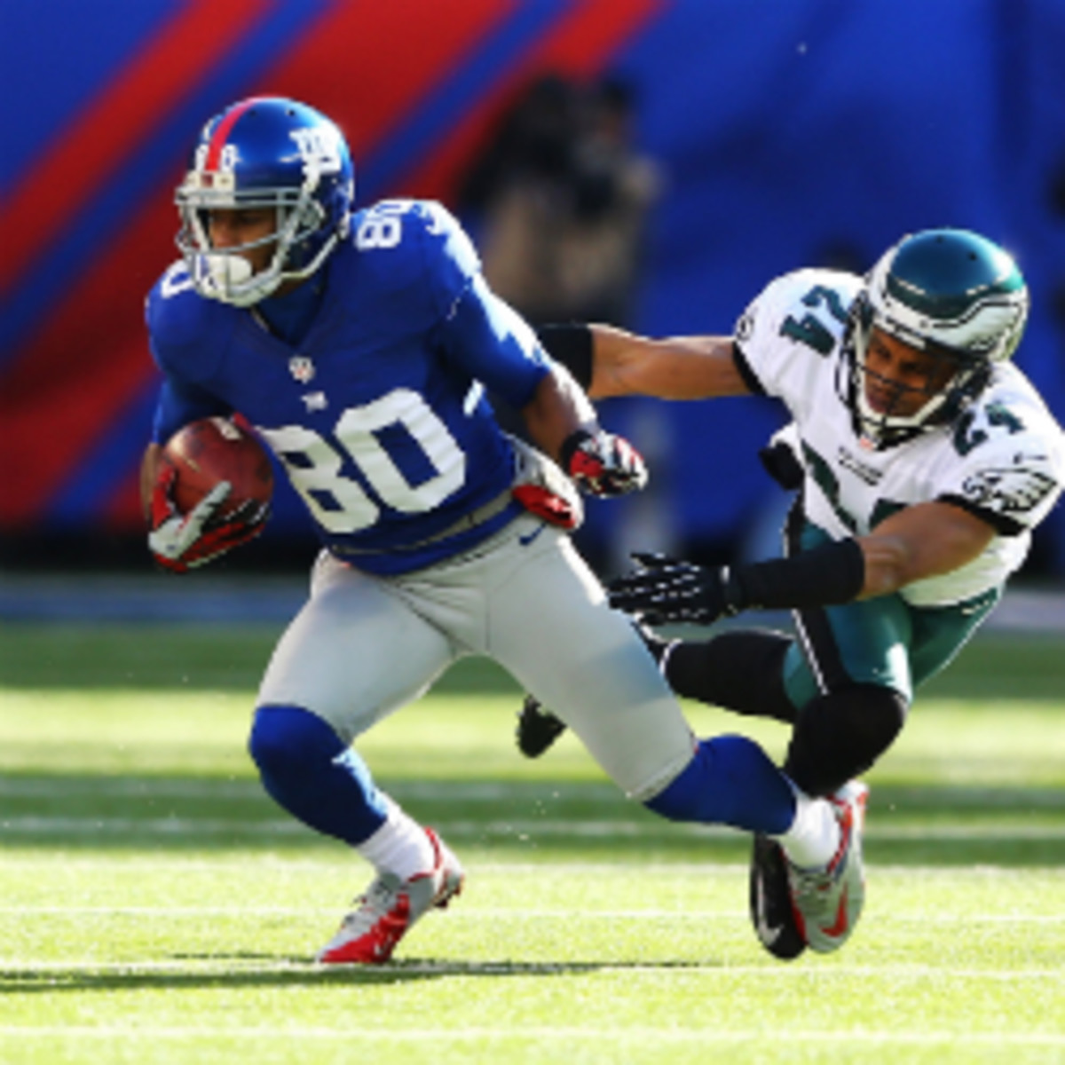 Giants receiver Victor Cruz will reportedly partner with Jay-Z's new sports management firm. (Al Bello/Getty Images)