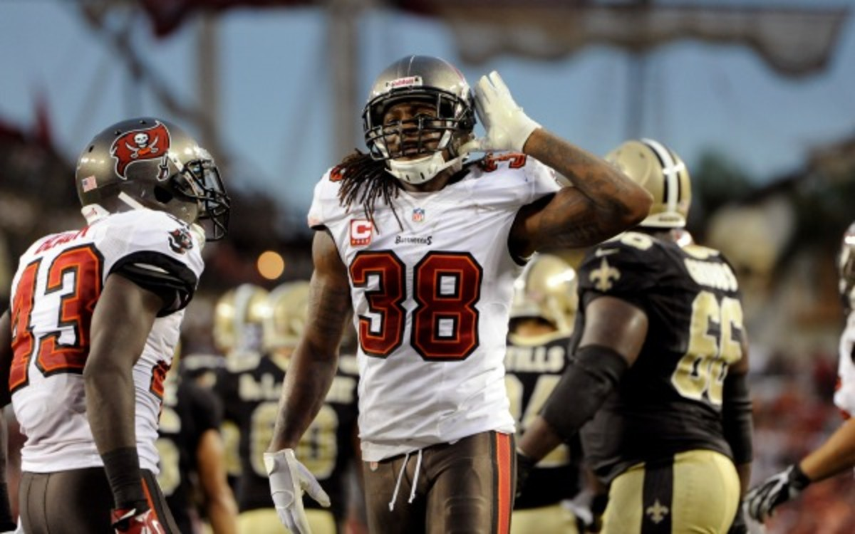 Bucs safety Dashon Goldson's suspension was overturned Wednesday. (AP Photo/Brian Blanco)