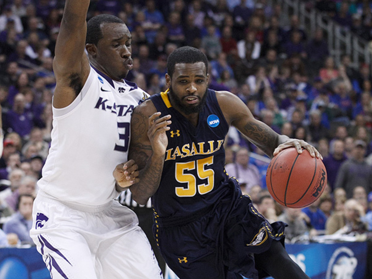 With its victory over Kansas State, La Salle has now won back-to-back games in the NCAA tournament. (Jeff Moffett/Icon SMI)