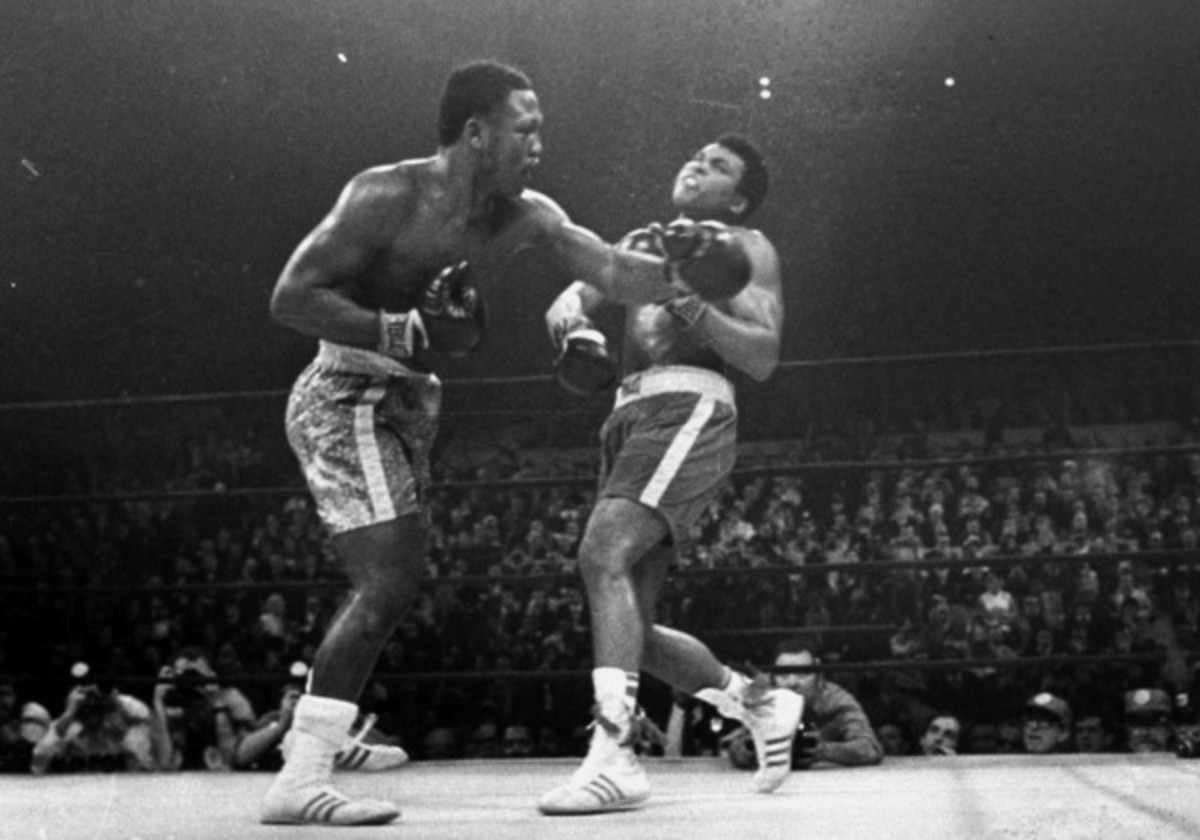 Joe Frazier knocked Muhammad Ali out in their 1971 Fight of the Century. (AP)