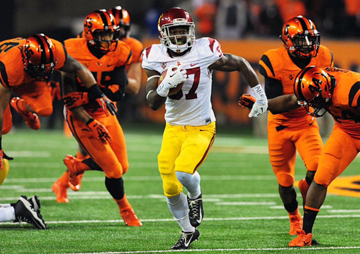 Javorius Allen (37) rushed for three TDs at Oregon State to help USC improve to 3-1 under Ed Orgeron.