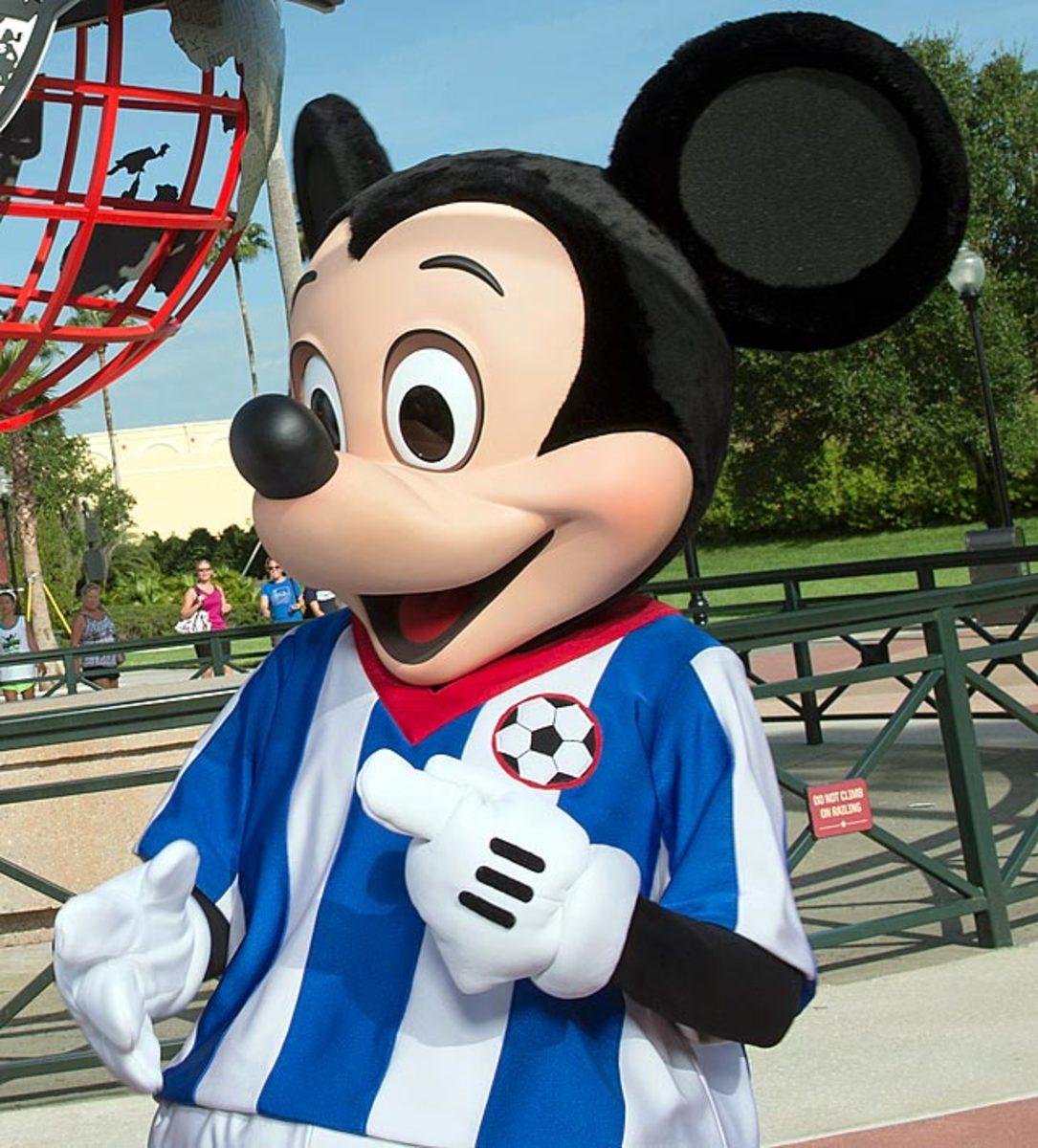 131011163317-080513-disney-world-mickey-mouse-single-image-cut.jpg