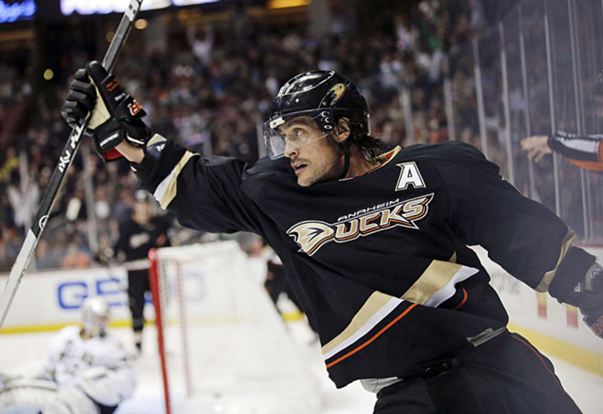 Teemu Selanne, the Finnish Flash, will finish his illustrious NHL career with a farewell tour.