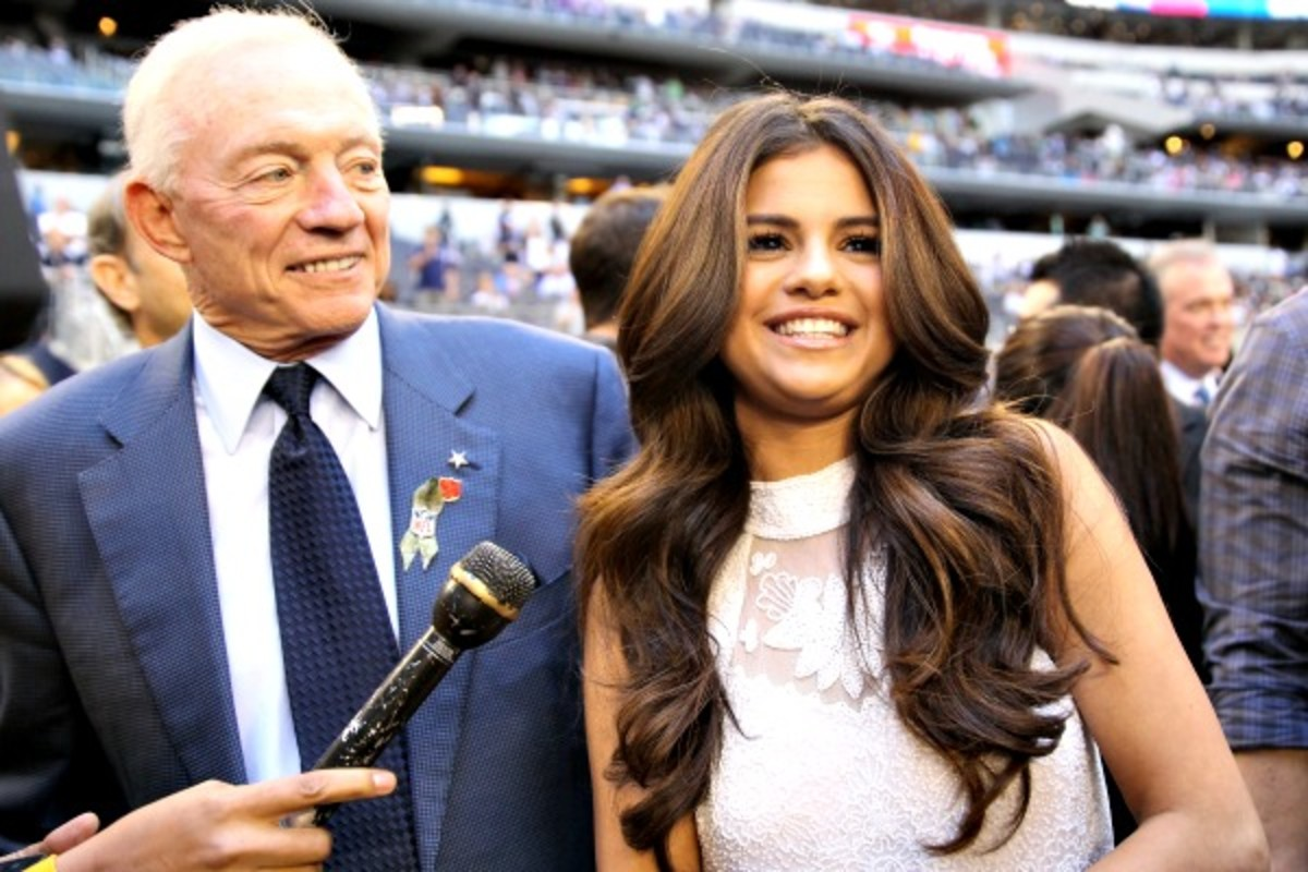 Selena Gomez will perform at halftime of the Cowboys' Thanksgiving Day game against the Raiders. (Jamie Squire/Getty Images)