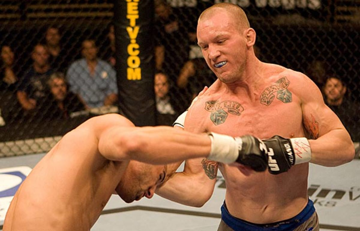 Gray Maynard (right) will put his 11-2-1 NC record on the line Saturday against Nate Diaz (16-9) in Vegas.